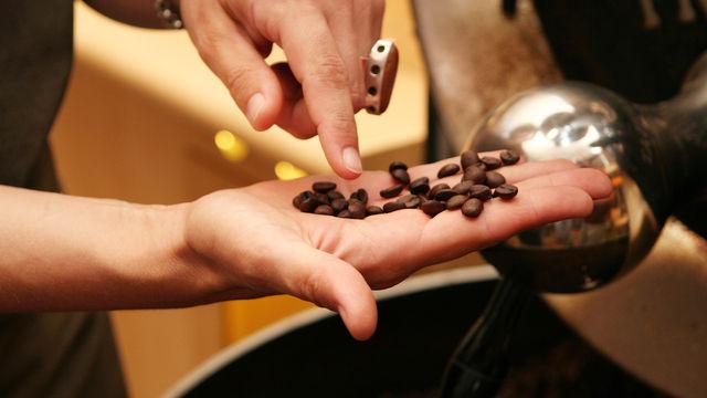 Ein großer Teil des weltweiten Kaffeegeschäfts ist künftig in einer Hand.  (Quelle: Archiv)