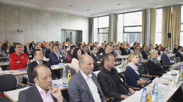 Perspektiven sind gefragt: Rund 200 Teilnehmer lassen sich beim Deutschen Backkongress in Wiesbaden inspirieren.  (Quelle: Richter)