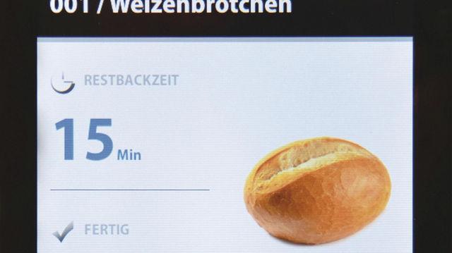 Die Bedienung des Ofens gleicht der des Smartphones: intuitiv und schnell.