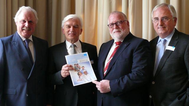 Das Vorstandsteam der Bäko-Zentrale Nord (von links): Geschäftsführer Lutz Henning, Eckhard Starke, Klaus Borchers und Alois Mensing.  (Quelle: Wolf)