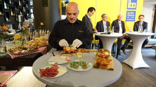 Individuelle, passgenaue Konzepte und unverwechselbare Läden mit persönlicher Note sind Trend. In der Bäckerei Mauerer in München ist das bereits umgesetzt. (Quelle: Ott)