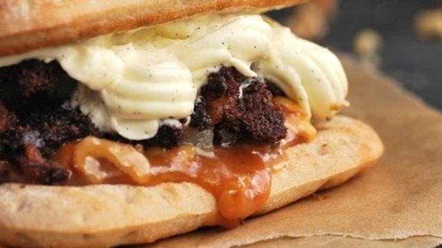 So sieht die süße Burger-Kreation von Harry-Brot aus. (Quelle: Unternehmen)