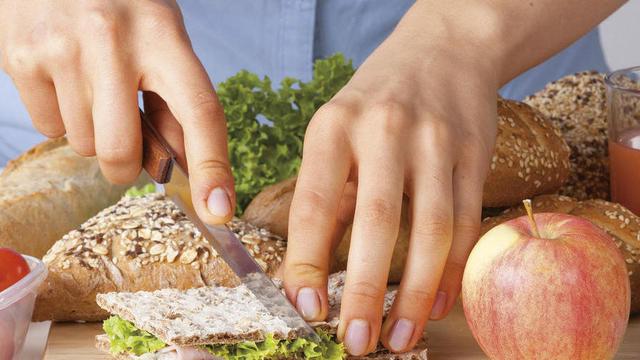 Um eine ausgewogene Ernährung zu gewährleisten, sollten Veganer Brot in ihren Essensplan mit einbauen. (Quelle: Fotolia/Photographee.eu)
