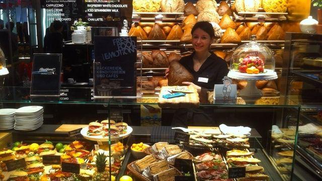 Backwaren sowie Snacks - auch in Form von belegten Broten - stehen bei Gastro-Anbietern aus allen Bereichen hoch im Kurs, wie hier bei Aichinger zu sehen ist.  (Quelle: Wolf)
