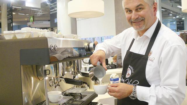 Alles automatisch mit Flair: die neue Siebträgermaschine espresso von WMF. (Quelle: Archiv/Wolf)