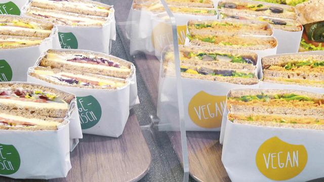 Pflichtbestückung für die Snacktheke in der Bäckerei: vegane und vegetarische Angebote. (Quelle: ABZ-Archiv)