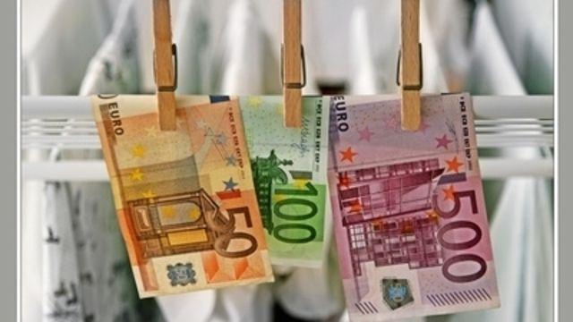Ein Poinger Bäckermeister muss wegen Geldwäsche eine Strafe in Höhe von 2200 Euro bezahlen.  (Quelle: Pixelio/BirgitH)