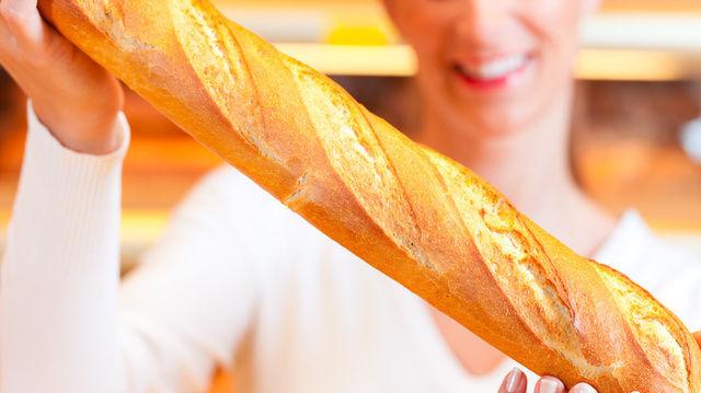 Vor allem die Bäckereifachverkäuferinnen profitieren vom neuen Tarifvertrag im Saarland.   (Quelle: Fotolia/Kzenon)