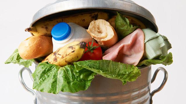 Es landen zu viele Lebensmittel in der Tonne. Dagegen will auch das Bäckerhandwerk Maßnahmen ergreifen. (Quelle: Foto: Fotolia)