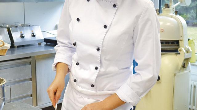 """Die """"Energie-bündel"""" stellt Carina Höhnel aus Haferflocken, Rosinen, Äpfeln und Margarine her. (Quelle: Kauffmann)"""