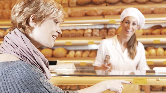 Wer einfühlsam dem Kundenwunsch folgt, hat die Chance, mehr Umsatz zu machen. (Quelle: Fotolia/Kzenon)