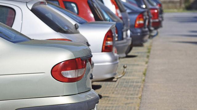 Abgestellt: Firmenparkplätze sind bequem, aber häufig steuerpflichtig. (Quelle: Fotolia)