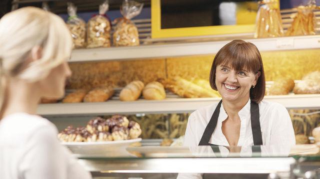 Kunden wollen wahrgenommen werden und das Gefühl haben, besonders freundlich bedient zu werden. (Quelle: Fotolia)