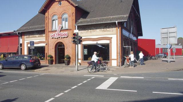 Stammhaus: Das Backsteinhaus verfügt auch über einen verglasten Wintergarten. (Quelle: Werth)