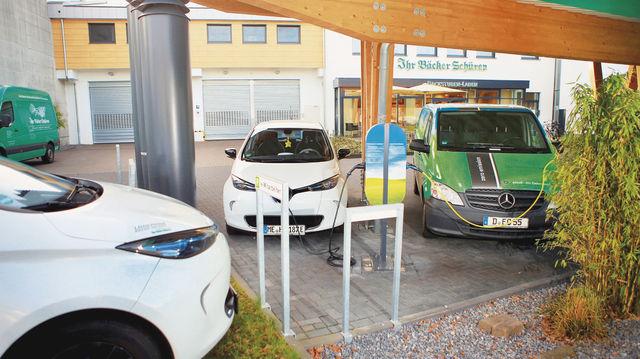 Bäcker Roland Schüren will mit seiner Sammelaktion die Nutzung von Elektroautos im Bäckerhandwerk verbreiten. (Quelle: Archiv)