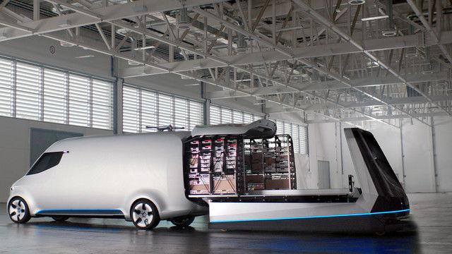 Zukunftspläne: Auf einem selbst fahrenden Regal rollt die Ware automatisch in den Transportraum. (Quelle: Mercedes-Benz)