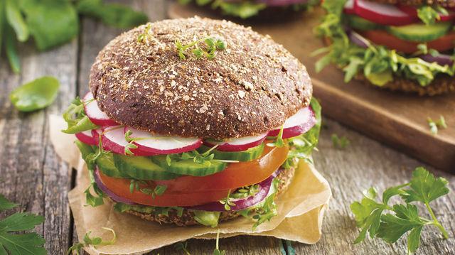 Nicht nur für Veganer: Burger und Snacks mit pflanzlichem Belag. (Quelle: Fotolia)