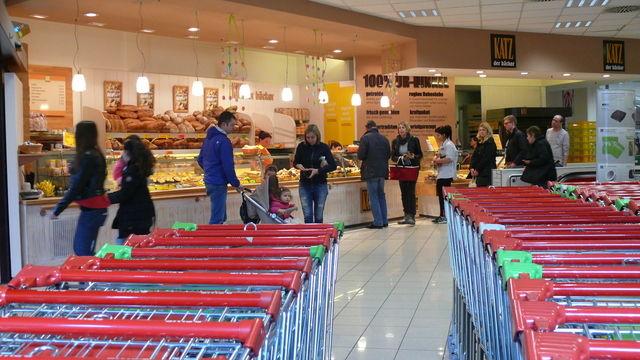 Nach Meinung eines Psychologen dienen Bäckereien im Vorkassenbereich von Supermärkten nicht vorrangig einem besseren Service für die Kunden. (Quelle: Archiv Wolf)