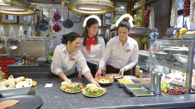 Heiße Mahlzeiten im Bäckerei-Bistro – eine Entwicklung, die weiter zunehmen wird. (Quelle: Archiv/Wolf)