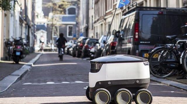 Dieser technische Pizzabote soll bald durch die Fußgängerzonen Hamburgs rollen. (Quelle: Unternehmen)