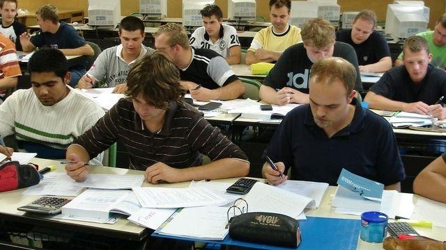 Die staatliche Förderung könnte gegen den Lehrlingsmangel helfen. (Quelle: Archiv/ Verband)