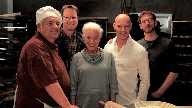 """Das Team von """"Laible und Frisch"""" steht in den Startlöchern (von links): Schauspieler Winfried Wagner, Produzent Frieder Scheiffele, Schauspieler Ulrike Barthruff , Simon Licht und Autor Sebastian Feld. (Quelle: Schwabenlandfilm)"""