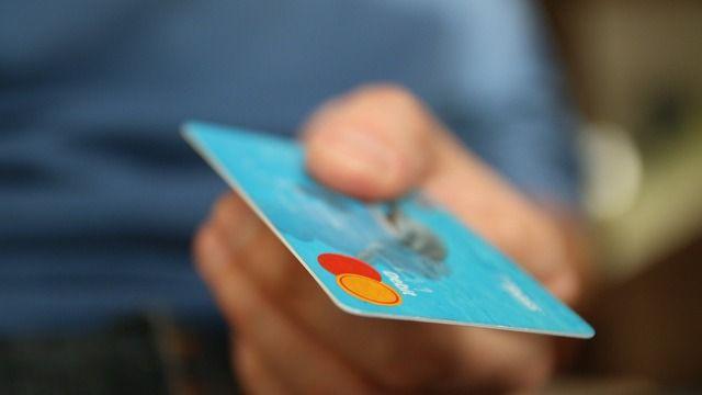 Bargeldloses Bezahlen wird in Deutschland immer beliebter. (Quelle: pixabay.de/ jarmoluk)