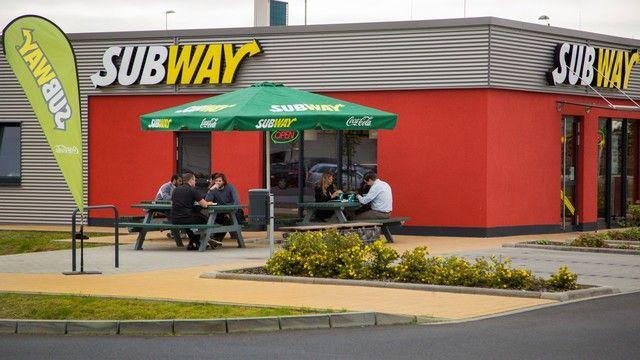 Nach dem Tanken noch schnell ein Sandwich essen? Das sollen Kunden künftig bei Shell und Subway. (Quelle: Archiv/ Unternehmen)