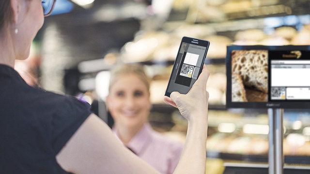 Eine Bargeldlos-Variante: QR-Code vom Kassendisplay scannen, bestätigen – fertig. (Quelle: Hersteller)