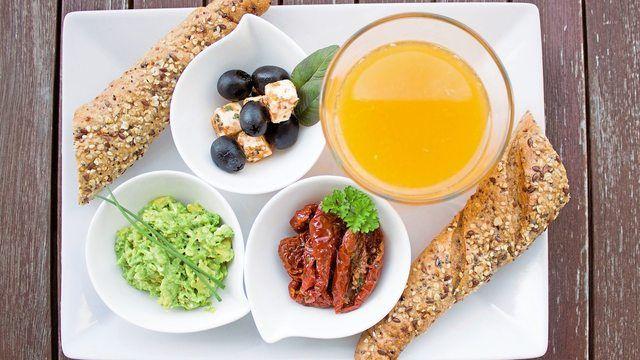 Internationale Frühstücksvarianten sind eine Möglichkeit für den Bäcker sein Angebot zu erweitern.   (Quelle: pixabay.com/Einladung_zum_Essen)
