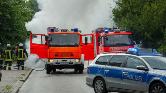 Bei den Löscharbeiten auf dem Gelände der Großbäckerei waren rund 180 Feuerwehrleute im Einsatz. (Quelle: Symbolfoto: Fotolia)