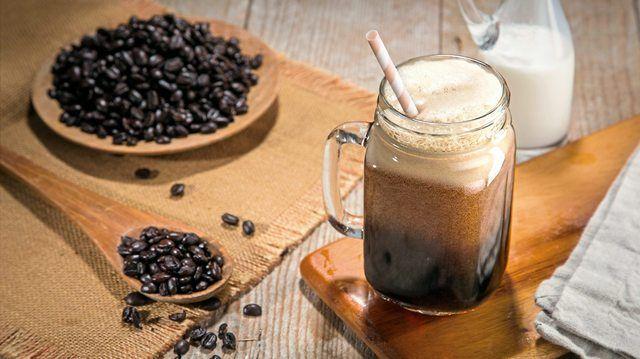 Mit Stickstoff versetzt, entsteht bei kalt gebrühtem Kaffee eine cremige Schaumkrone und ein süßer Geschmack. (Quelle: Fotolia)