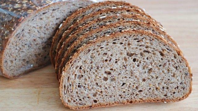 Die Bäckerei bietet ein Brot mit sechs Körnersorten an. (Quelle: Archiv/ Kauffmann)