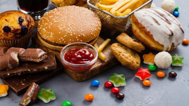 Jüngere Generationen sind deutlich verschwenderischer mit Lebensmitteln. (Quelle: Fotolia)