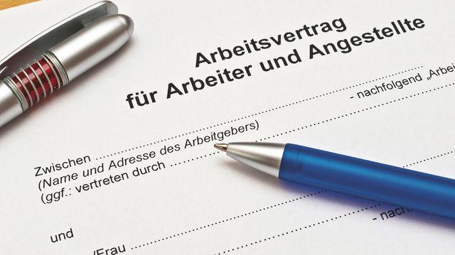 Für einen Arbeitsvertrag ist die Schriftform zwingend vorgeschrieben. (Quelle: Fotolia)