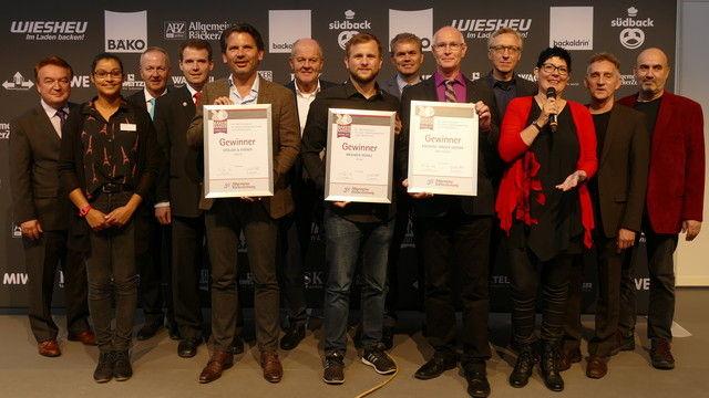 Die Preisträger, Sponsoren, Jurymitglieder und ABZ-Vertreter nach der Verleihung. (Quelle: Archiv / Kauffmann)