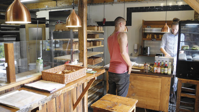 In der Schaubackstube wurde viel Holz für die Einrichtung verarbeitet. (Quelle: Blath)