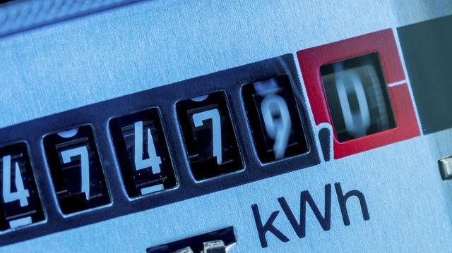 Im kommenden Jahr soll die EEG-Umlage die Stromkosten weniger belasten. (Quelle: Fotolia)