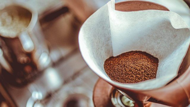 Filterkaffee gehört zu den beliebtesten Kaffeegetränken der Deutschen.  (Quelle: pixabay.com/ StockSnap)