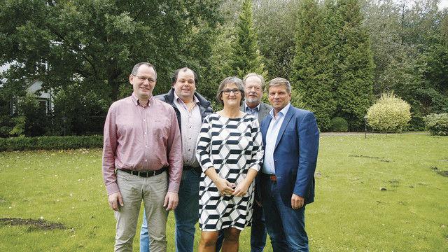 Der wiedergewählte Vorstand (v. l.): Klaus-Dieter Lemmermann, Helmut Börke, Maren Andresen, Hans-Jürgen Tackmann und Stefan Scharbau. (Quelle: Hoenig)