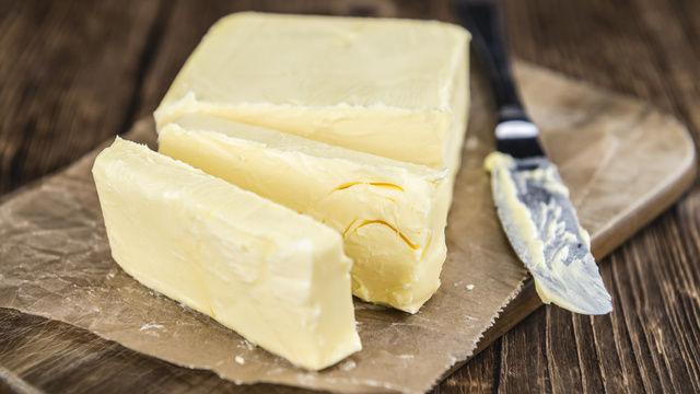 Butter im 25 kg-Karton soll billiger werden. (Quelle: Fotolia)