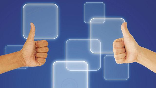 """Das Gefällt-mir-Symbol mit """"Daumen hoch"""" ist ein bekanntes Bewertungszeichen von Kunden. (Quelle: Colourbox.de)"""