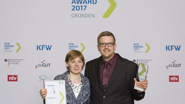 Gewinner: Tanja und Ingmar Krimmer bei der Preisverleihung in Berlin. (Quelle: Thorsten Futh)