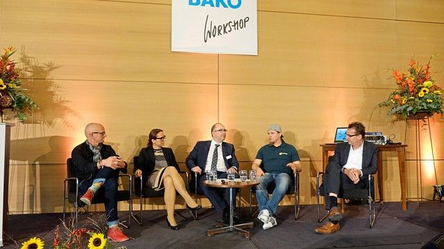 Podiumsdiskussion beim Bäko Workshop (von links):  Dr. Dag Piper, Marlies Gruber, Marcus Höffer, Axel Schmitt und Prof. Dr. Achim Spiller.  (Quelle: Wolf)