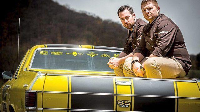 Die Wildbakers Jörg Schmid (links)  und Johannes Hirth sind für zwei  SWR-Sendung auf  den Spuren der Branche unterwegs.  (Quelle: SWR)