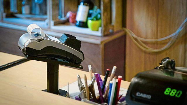 Künftig werden Kunden selbstständiger bezahlen. (Quelle: Pixabay.com)
