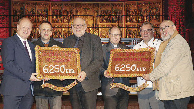 Propst Martin Tenge (v.l.), LIM Dietmar Baalk und Uwe Becker. (Quelle: Lichtenstein van Lengerich)