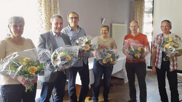 Der neu gewählte Vorstand (von links): Heidi Börner, Obermeister Axel Keßler, Frank Dörr, Astrid Wesser sowie die Kassenprüfer Michael Bräutigam und Daniel Maas. (Quelle: Innung)