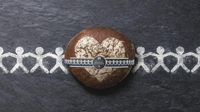 Bäcker können ein Brot ihrer Wahl mit der entsprechenden Brot-Banderole für die Spendenaktion ausloben.   (Quelle: Werbegemeinschaft)