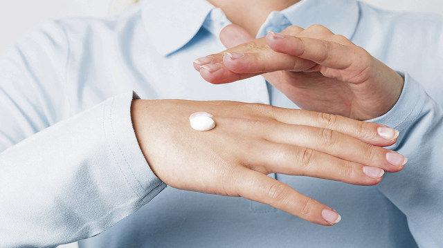 Darf nicht unterschätzt werden: Gepflegte und gesunde Hände fördern das persönliche Wohlbefinden. (Quelle: Fotolia)